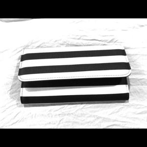 Kut from the Kloth Black/White Wallet
